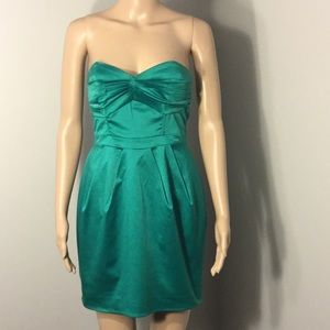 H & M : STRAPLESS DRESS:  Size 6